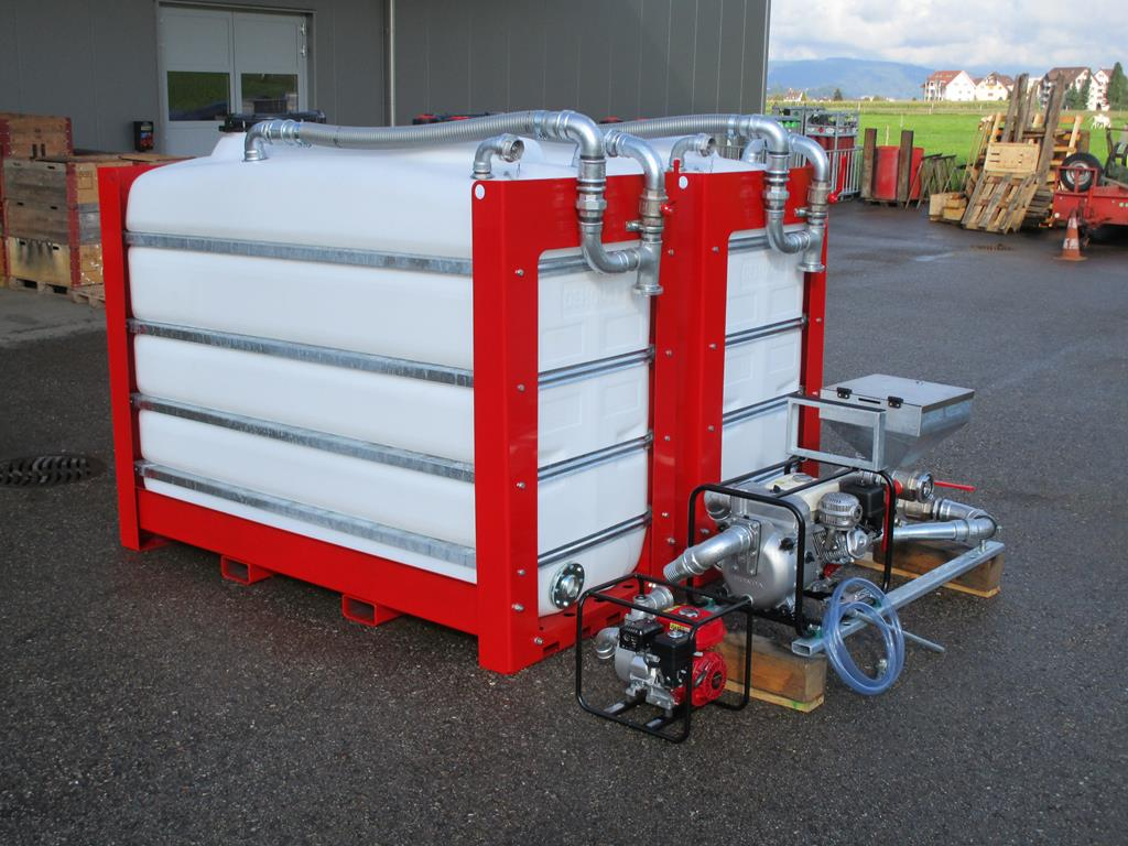 Mixing tanks range from 4000 ltr (1050 gal) to 8000 ltr (2110 gal)